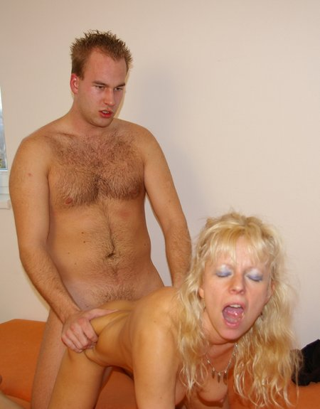 Blonde Granny Fucking a Young Stud24162